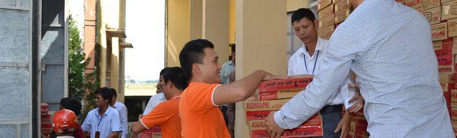 FPT trao hơn 3.000 suất quà tổng trị giá 730 triệu đồng cho người dân miền Trung